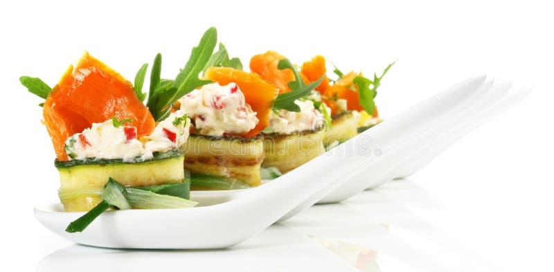 Casse-cro?te de poissons - Fingerfood avec des saumons photographie stock