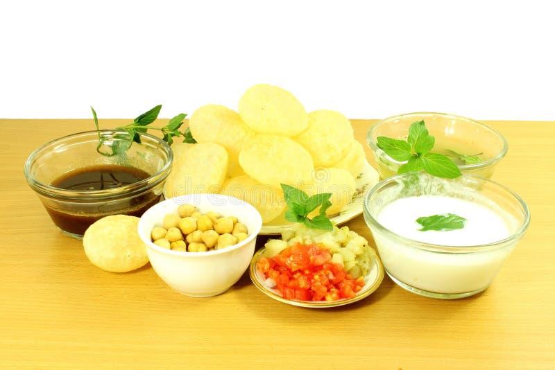 Casse-croûte indien de nourriture de Marathi de Gujarati de gappa de Panipuri ou de Gol photo libre de droits