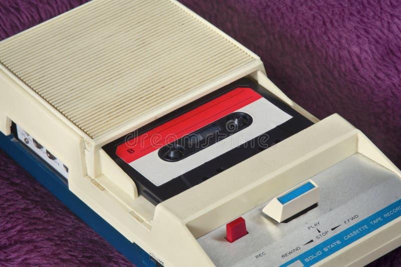 Cassete de banda magnética do gravador da gaveta do vintage e fotografia de stock royalty free