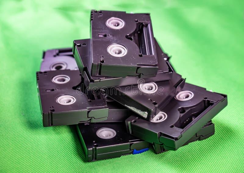 Cassetes de banda magn?tica do vintage mini DV - conceito da tecnologia do vintage imagens de stock royalty free