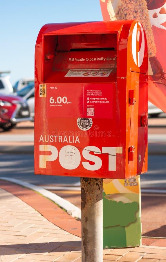 Cassetta delle lettere della posta dell'Australia in una via immagine stock