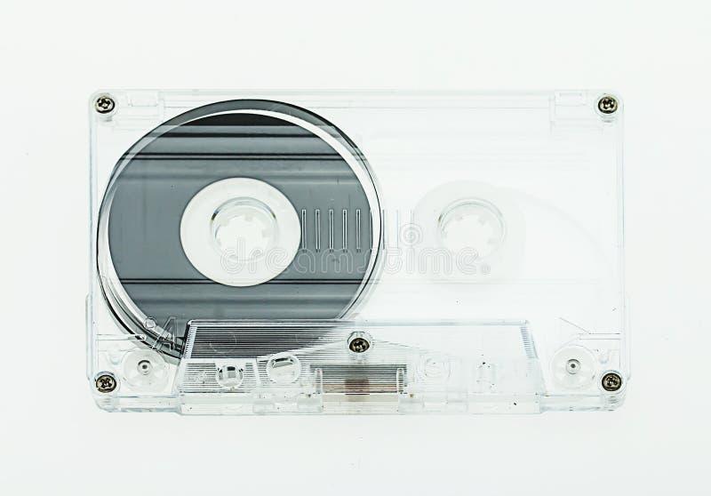 Cassette audio en el fondo blanco foto de archivo