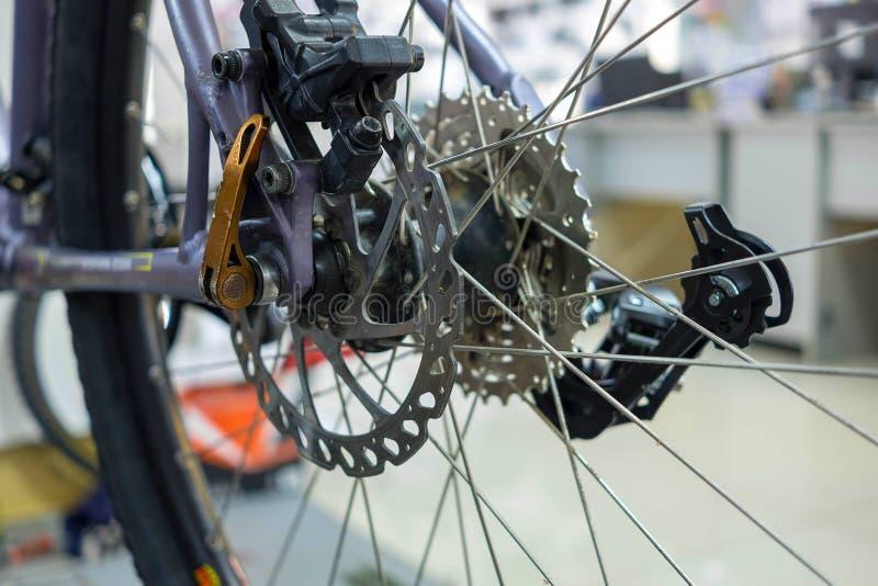 Cassette d'arrière de vélo de montagne image stock