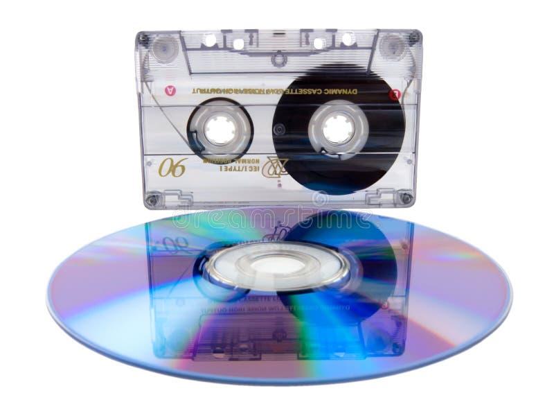Cassette de la cinta de audio y disco compacto digital imágenes de archivo libres de regalías