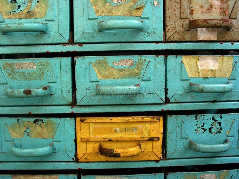 Cassetti gialli fotografie stock libere da diritti