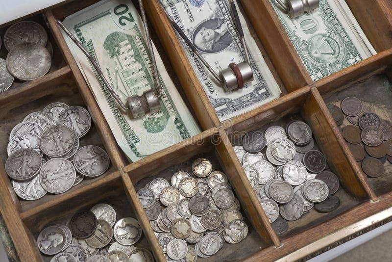 Cassetto dei soldi dell'annata fotografia stock libera da diritti