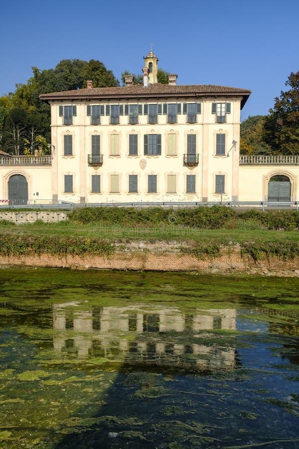 Cassinetta di Lugagnano Milão, Itália: Casa de campo Visconti Maineri imagens de stock royalty free