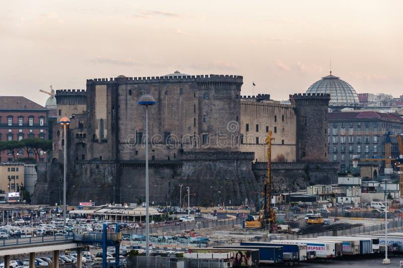 castel διάσημη Ιταλία η περισσότερη όψη θέσεων nuovo της Νάπολης στοκ φωτογραφίες