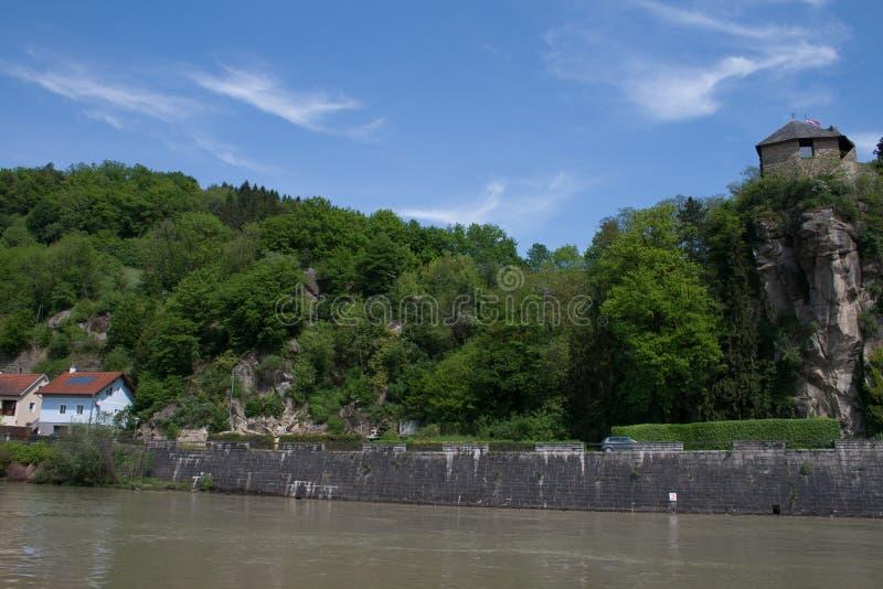Castel de Werfenstein au-dessus du Danube image stock
