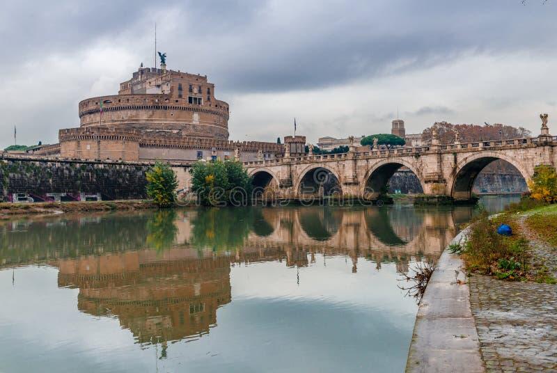 """Castel et Ponte Sant """"Angelo à Rome photo stock"""