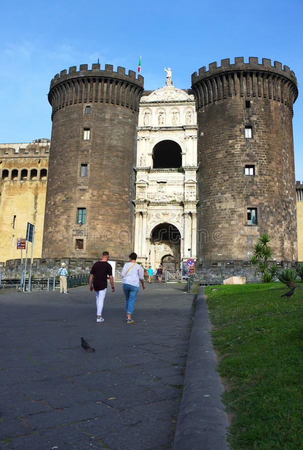 Castel Nuovo-V-Napoli - l'Italia fotografia stock