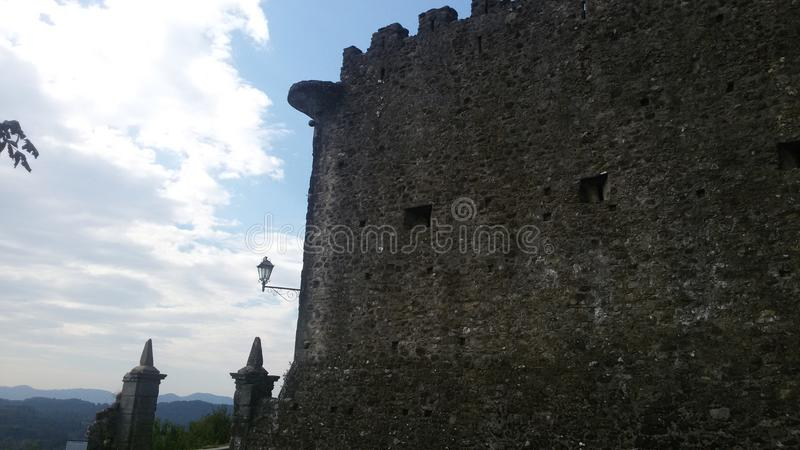 Castel på berget arkivfoton