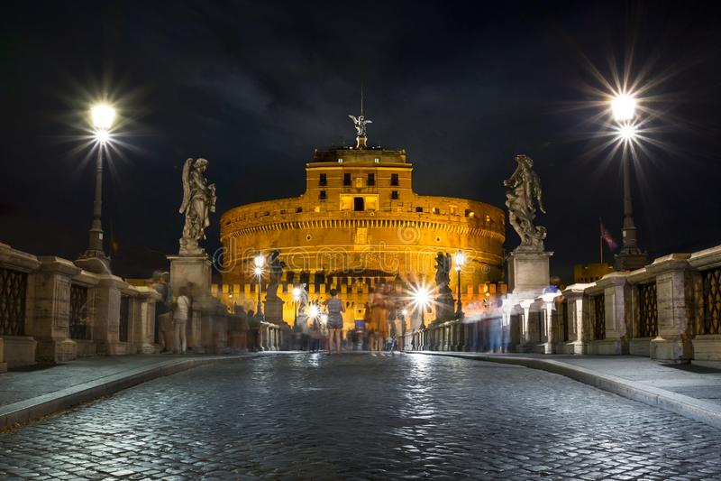 Castel S ` Antangelo在晚上 免版税图库摄影