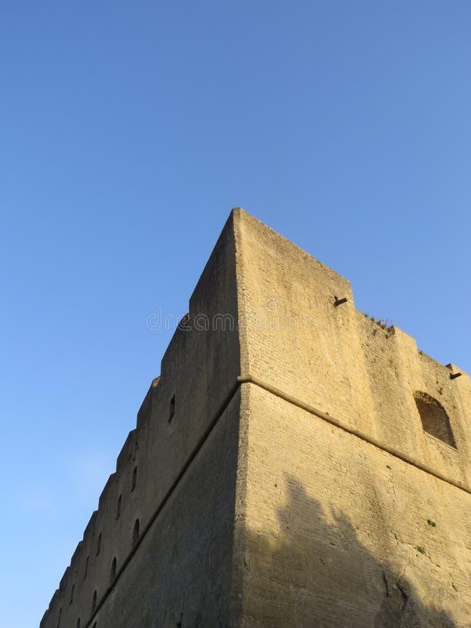 Castel Sant `艾蒙位于小山顶的中世纪堡垒在Certosa di圣马蒂诺附近 意大利那不勒斯 免版税库存图片