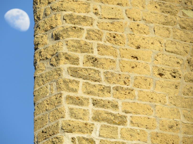Castel Sant `艾蒙位于小山顶的中世纪堡垒在Certosa di圣马蒂诺附近 意大利那不勒斯 库存图片
