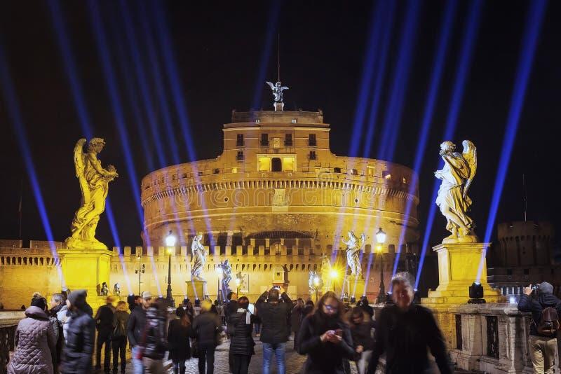 Castel Sant& x27 Angelo που φωτίζεται τη νύχτα στοκ φωτογραφίες με δικαίωμα ελεύθερης χρήσης
