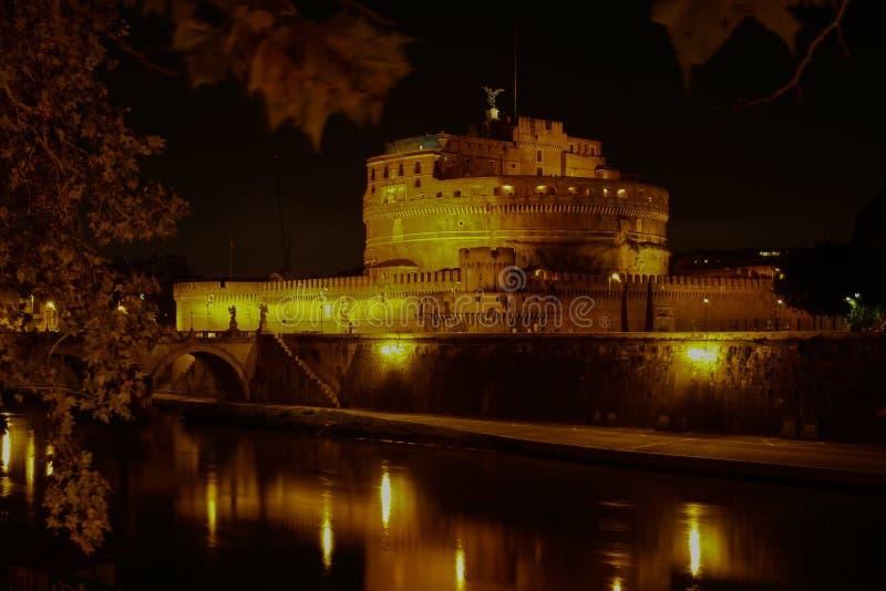 Castel Santangelo en la noche, Roma, Italia fotos de archivo