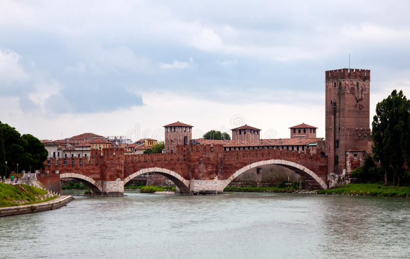 Download Castel Vecchio bridge stock image. Image of houses, culture - 15643371