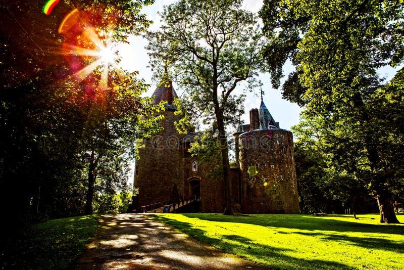 Castell Coch, castillo rojo, Tongwynlais, el Sur de Gales  fotografía de archivo