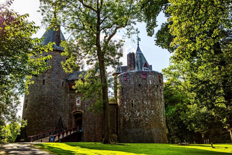 Castell Coch, castillo rojo, Tongwynlais, el Sur de Gales  imagenes de archivo