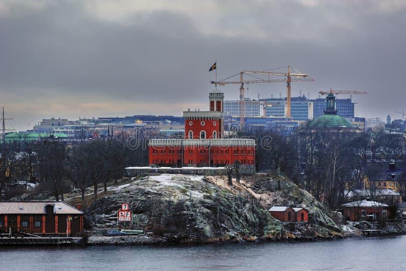 Castell en la costa de Estocolmo en una mañana del invierno suecia imágenes de archivo libres de regalías
