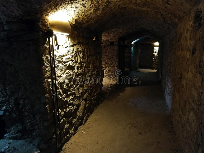 Castellabate - Passages in het kasteel stock fotografie