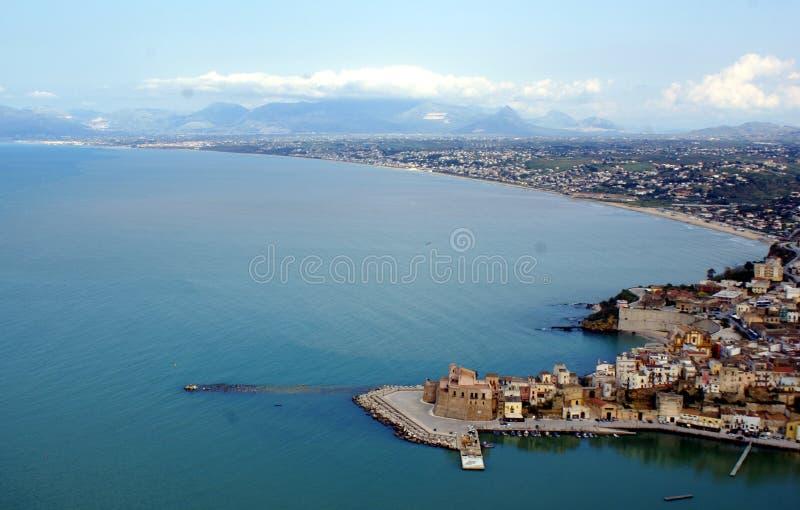 castellamare del golfo海边 免版税库存照片