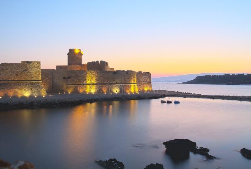 castellaslottitaly le hav solnedgång royaltyfri foto