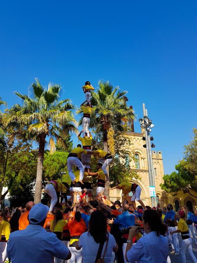 Castellers,人的塔在卡斯特利德费尔斯,西班牙 库存照片
