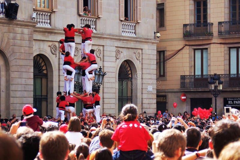 Castellers,加泰罗尼亚的人的塔在巴塞罗那,世界 免版税库存照片