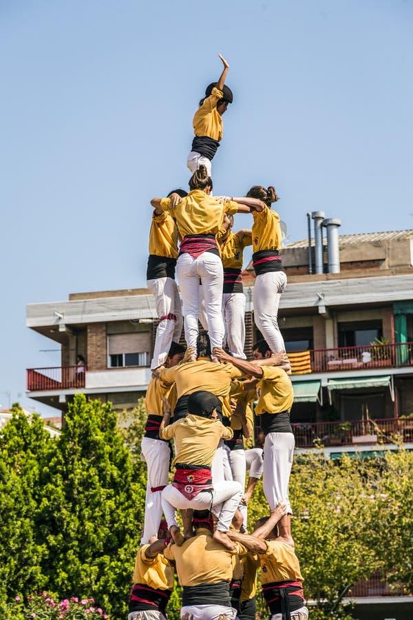 Castellers font Castell ou tour humaine, typique en Catalogne image stock