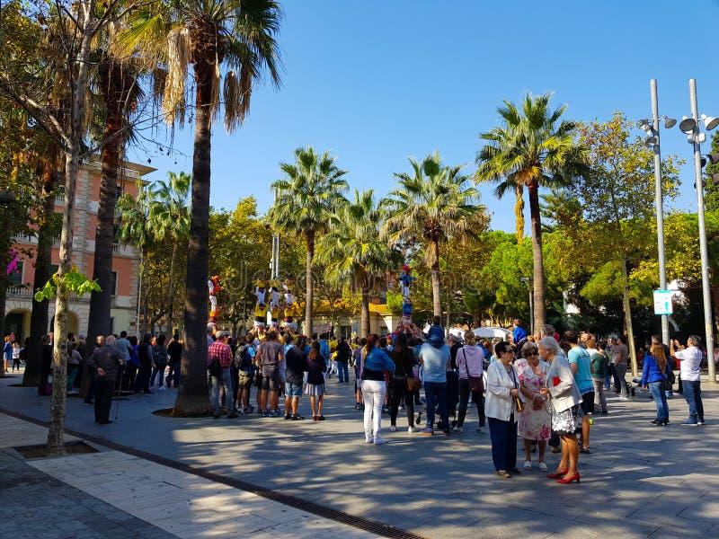 Castellers, menselijke toren in Castelldefels, Spanje stock afbeeldingen