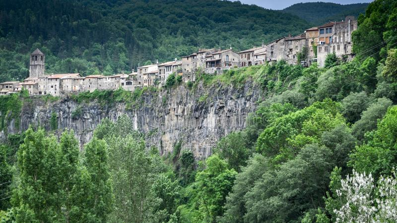 Castellfollit de la Roca , La Garrotxa, Catalonia.Spain. Castellfollit de la Roca is a municipality in the comarca of Garrotxa, in the Province of Girona stock photos