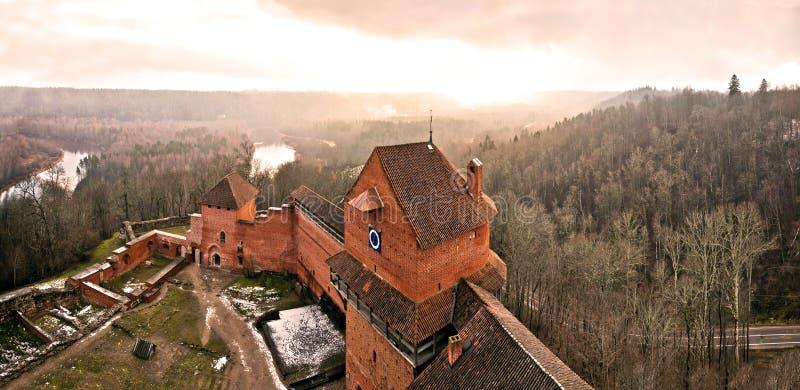 Download Castello antico immagine stock. Immagine di timore, mansion - 24309341