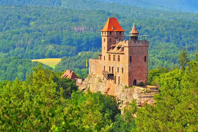 Castello Berwartstein in Dahn Rockland immagine stock