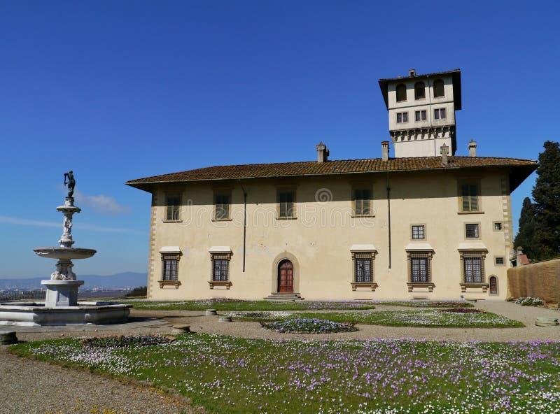 Castello cerca de Florencia en Italia imagen de archivo
