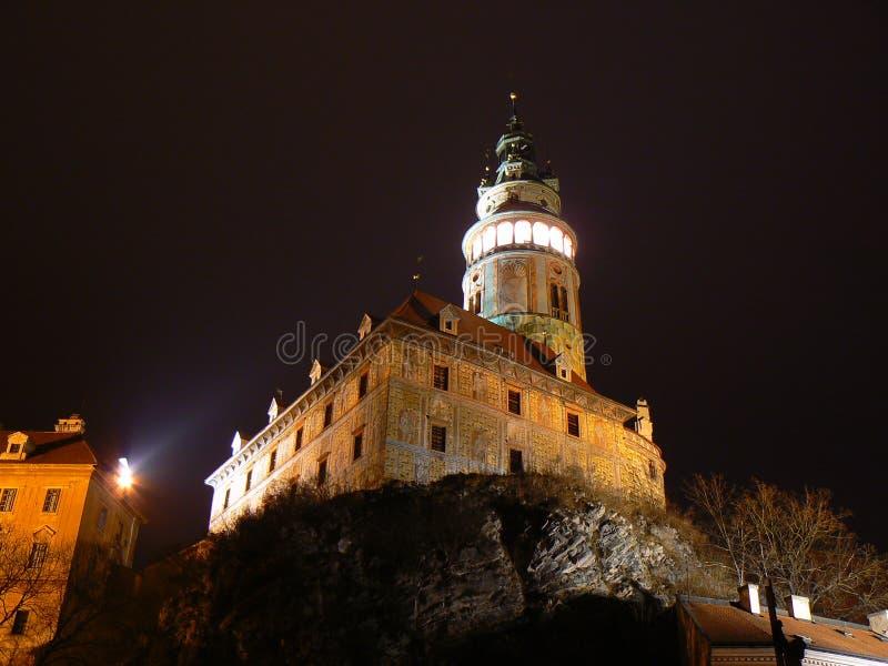Castello in Cesky Krumlov alla notte immagine stock