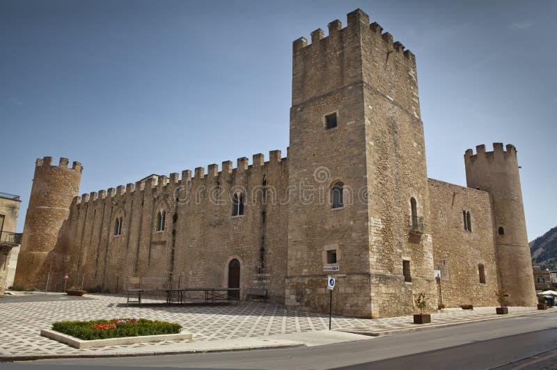 Castello dei Conti di Modica. royaltyfri foto