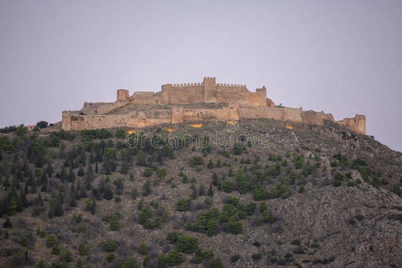 Castello del castello di Larissa o di Argo a Argo al Peloponneso, Grecia Argos - viste della fortezza, Grecia Il castello si trov fotografie stock
