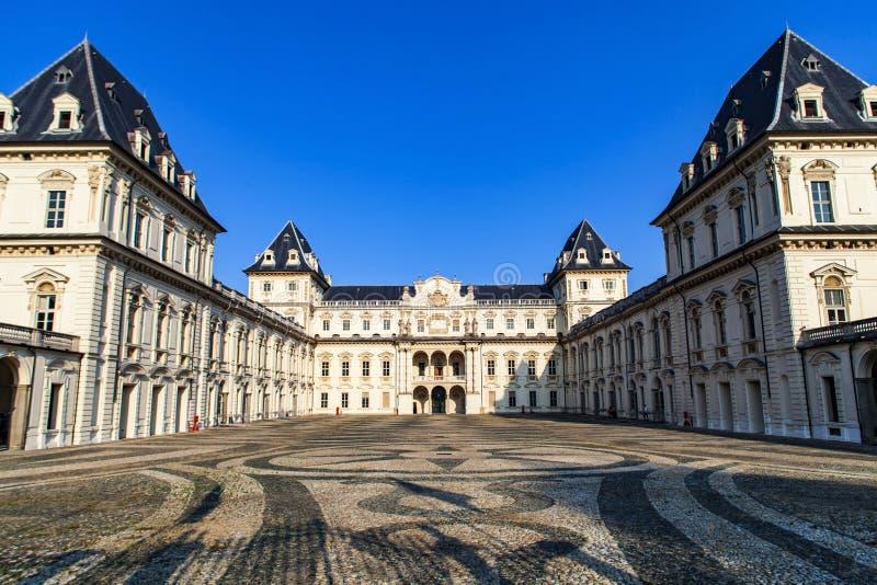 Castello del Valentino em Turin fotos de stock royalty free