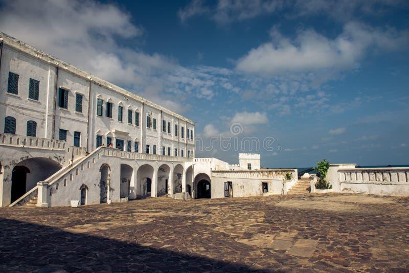 Castello della costa del capo nel Ghana fotografia stock libera da diritti