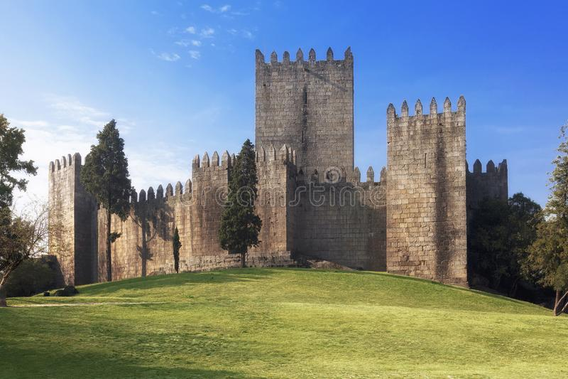Castello di Castelo de Guimaraes immagini stock libere da diritti