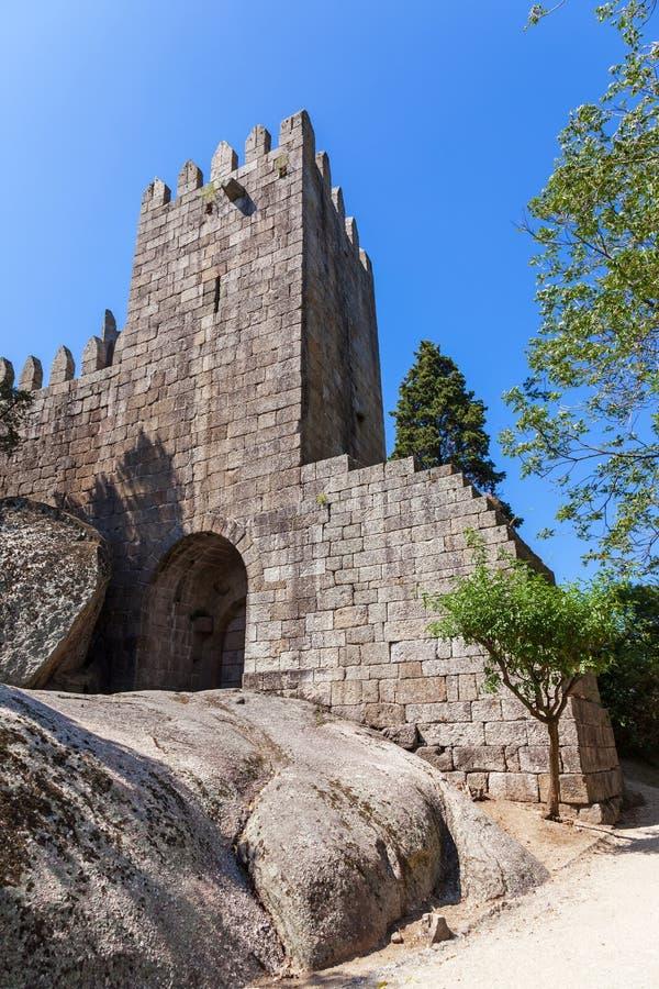 Castello di Castelo de Guimaraes La maggior parte del castello famoso nel Portogallo immagini stock libere da diritti
