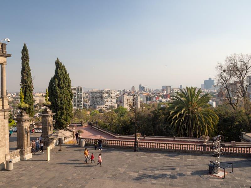 Castello di Chapultepec del coloniale, viste, collina, parco immagine stock