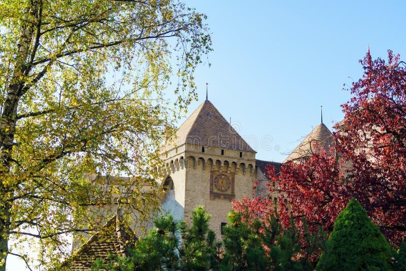 Castello di Chillon sul lago Lemano in montagne delle alpi, Montreux, Switz fotografie stock libere da diritti