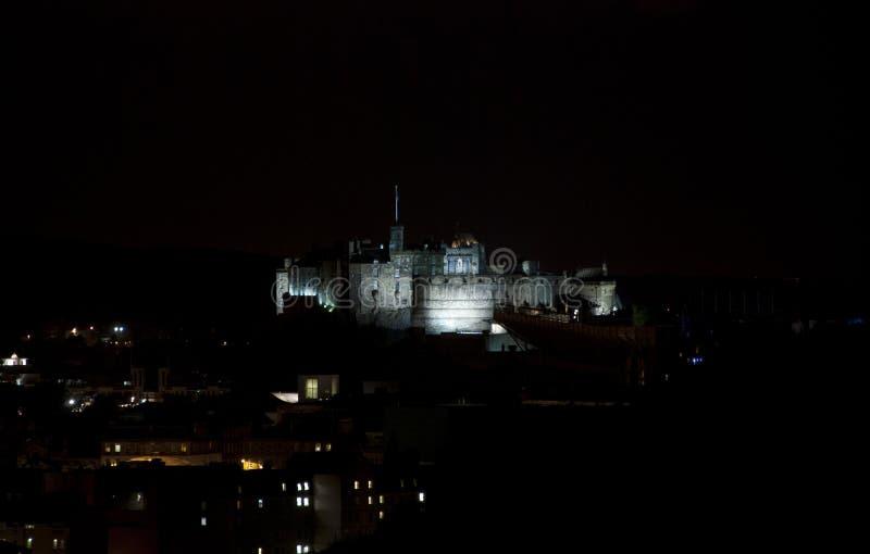 Castello di Edimburgo di notte fotografia stock
