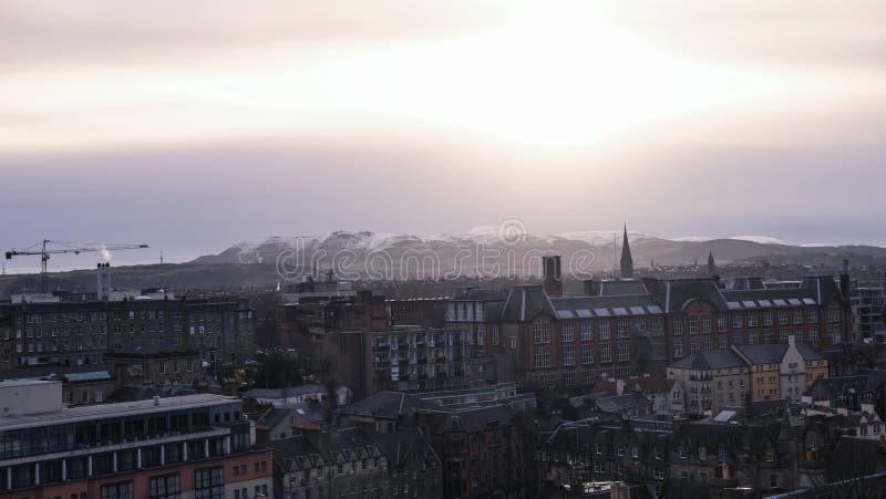Castello di Edimburgo sulla via reale di miglio, Scozia, Gran Bretagna fotografie stock libere da diritti