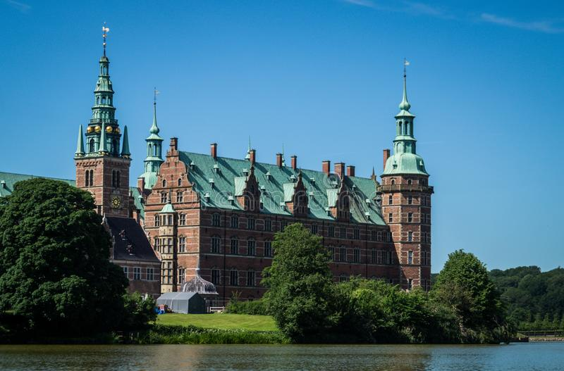 Castello di Frederiksborg in Danimarca fotografie stock libere da diritti