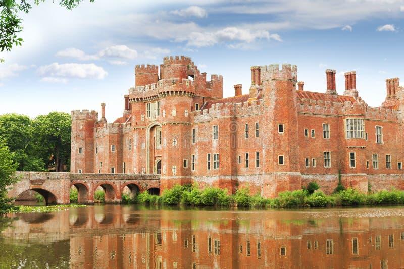 Castello di Herstmonceux del mattone nel XV secolo orientale dell'Inghilterra Sussex fotografie stock libere da diritti