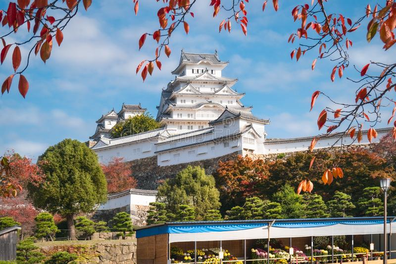 Castello di Himeji durante l'Autumn Festival nel Giappone fotografia stock libera da diritti